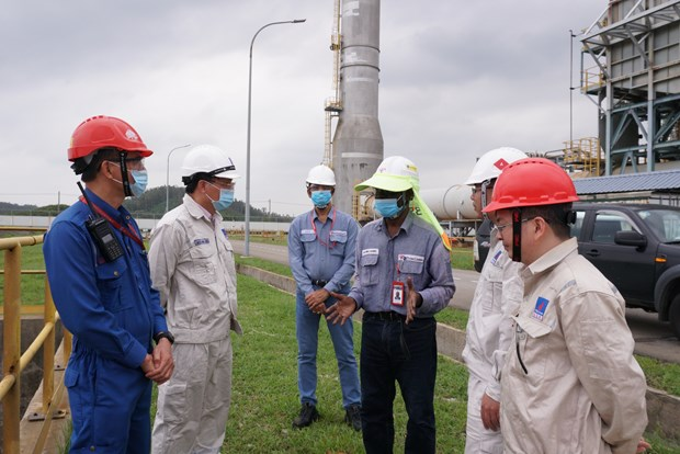 PetroVietnam subsidiaries brace for Storm Molave hinh anh 1