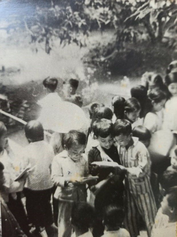 Wartime classes and creative ways to keep education going in the South hinh anh 3