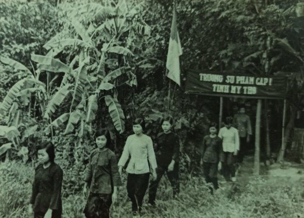 Wartime classes and creative ways to keep education going in the South hinh anh 1