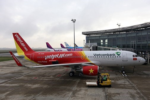 Vietjet launches year-end sales with promotional tickets hinh anh 1