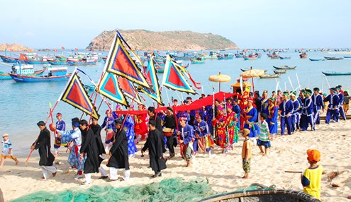 Phu Yen: Whale Worshipping Festival recognised as cultural heritage hinh anh 1