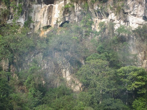 Thanh Hoa: Con Moong Cave certified as special national relic site hinh anh 1