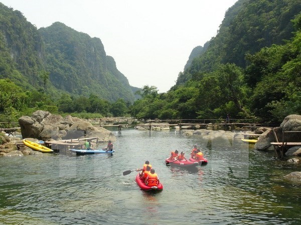 Campaign promotes Vietnam's tourism potential in China hinh anh 1