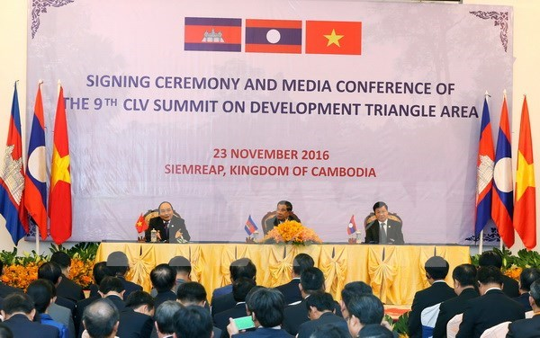 Cambodia, Laos, Vietnam to enhance economic connectivity hinh anh 1