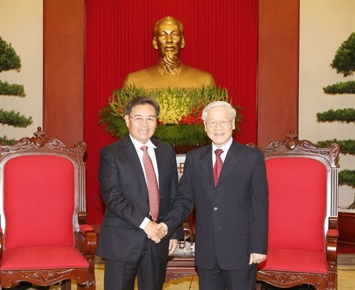 Party chief stresses role of fronts, associations in bilateral ties hinh anh 1