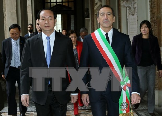 President meets Italy's Milan city, Lombardy region's leaders hinh anh 1