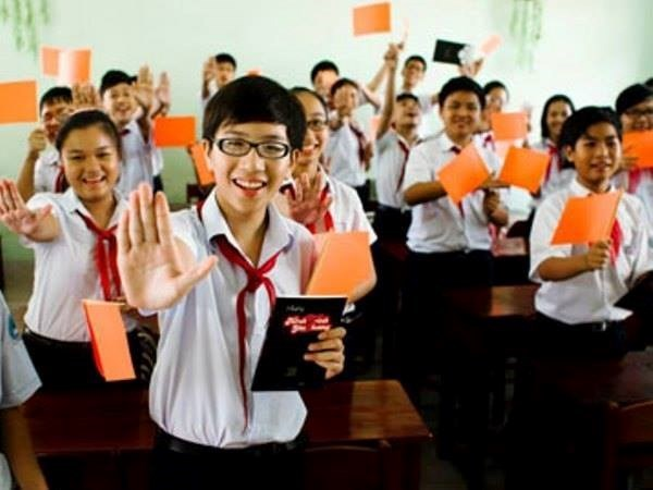 Students pledges to work to end gender discrimination hinh anh 1