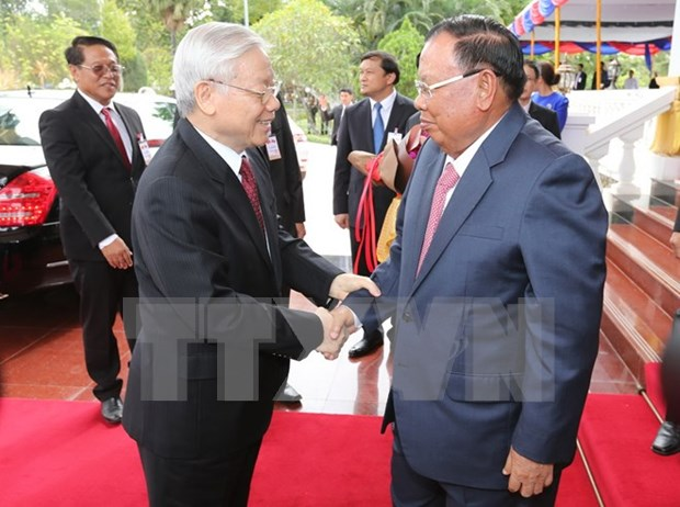 Party leader's visit fosters special solidarity with Laos: Lao media hinh anh 1