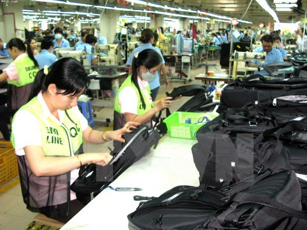 Industrial production index increases 7.3 percent hinh anh 1