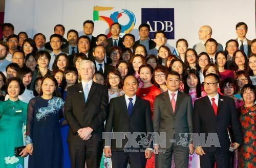 PM: Vietnam considers ADB important partner hinh anh 1