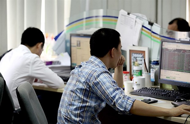 Shares sink as energy loses steam hinh anh 1