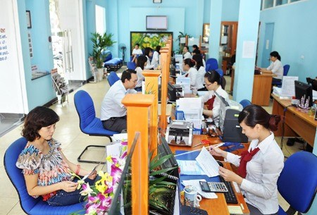 State Bank of Vietnam unveils 2017 policy hinh anh 1