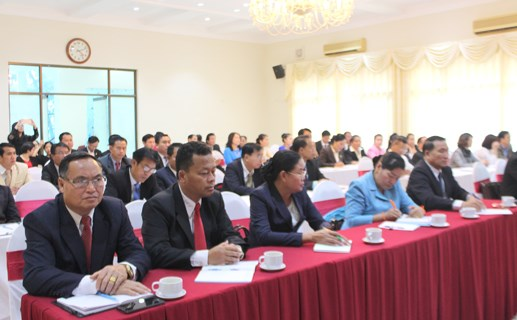 VFF organises training course for Lao front officials hinh anh 1