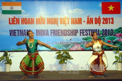 Festival boosts Vietnam-India friendship hinh anh 1