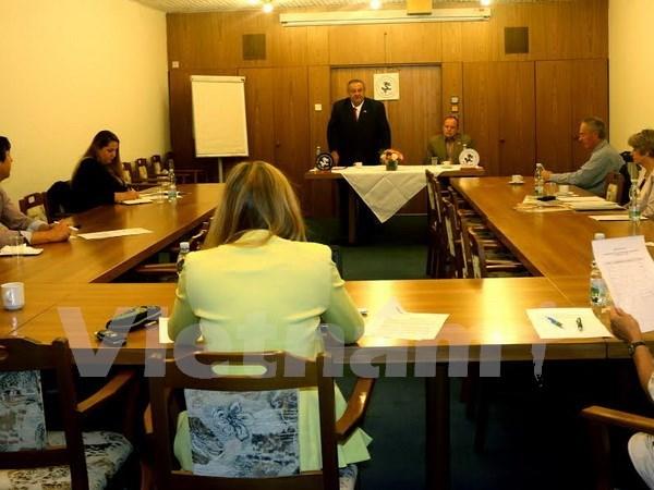 Czech-Vietnam Association condemns distortions against Vietnam hinh anh 1