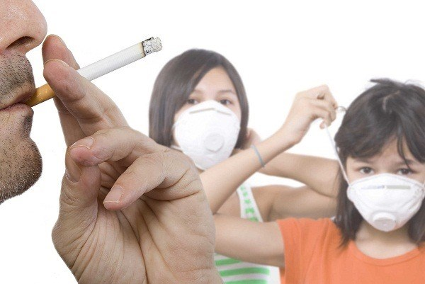 Campaign launched against secondhand smoke hinh anh 1