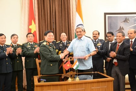 Vietnam, India hold large potential to deepen defence partnership hinh anh 1