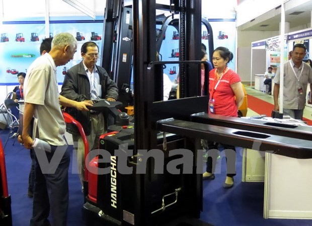 Industrial equipment expo opens in HCM City hinh anh 1