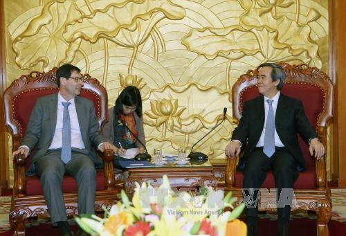 IMF chief economist affirms support for Vietnam's fiscal reform hinh anh 1