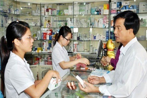 PM asks health ministry to clarify news on antibiotic-resistant infections hinh anh 1