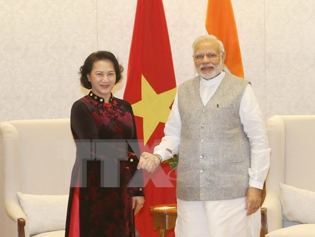Indian PM supports businesses to invest in Vietnam hinh anh 1