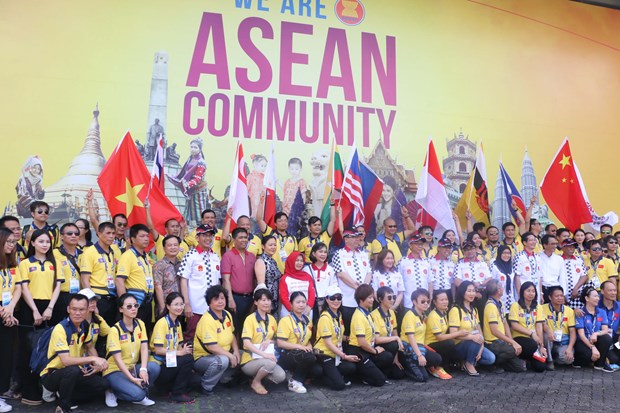 ASEAN-China Rally 2016 completes journey hinh anh 1
