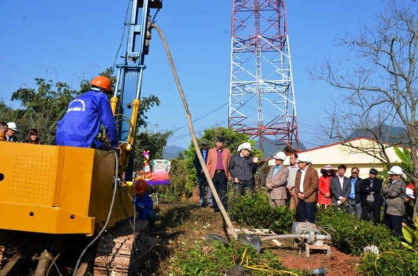 Vietnam builds satellite-based global positioning stations hinh anh 1