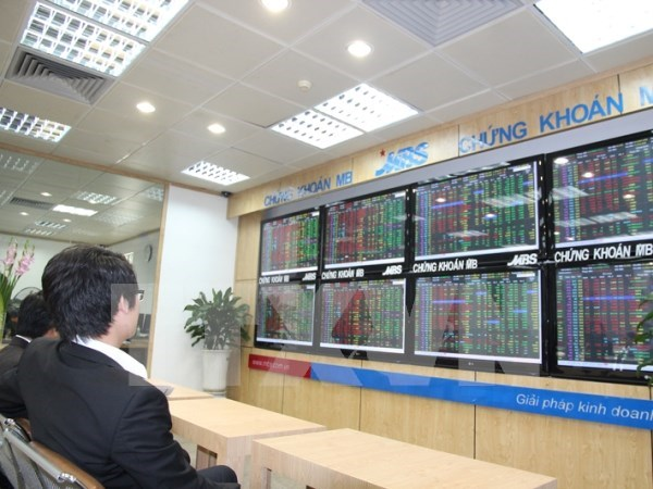 VN stock market increasingly attractive to investors: insiders hinh anh 1