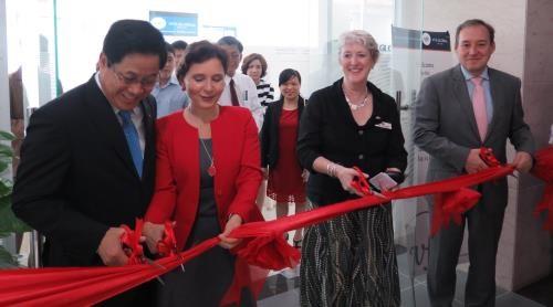 New UK, Australia visa application centre opens in Da Nang hinh anh 1