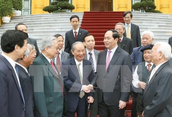 President meets former experts to Cambodia hinh anh 1