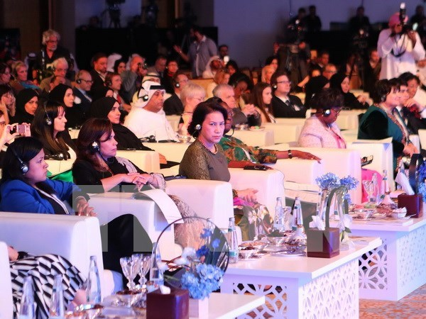 Female parliament speakers issue Abu Dhabi Declaration hinh anh 1