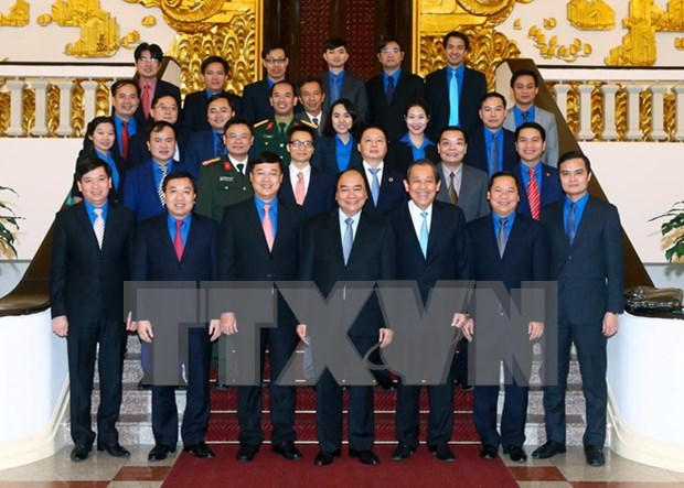 PM asks young people to lead in start-up activities hinh anh 1