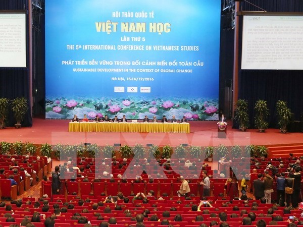 Int'l conference on Vietnamese studies wraps up hinh anh 1