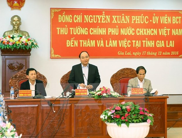 PM urges incentives for investors in Gia Lai hinh anh 1