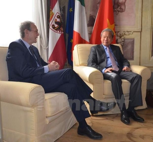 Italian enterprises seek investment opportunities in Vietnam hinh anh 1