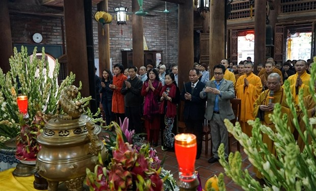 Hanoi prays for victims, martyrs in US's 1972 airstrike hinh anh 1