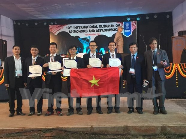 Vietnam bags one silver prize at Int'l Astronomy Olympiad hinh anh 1