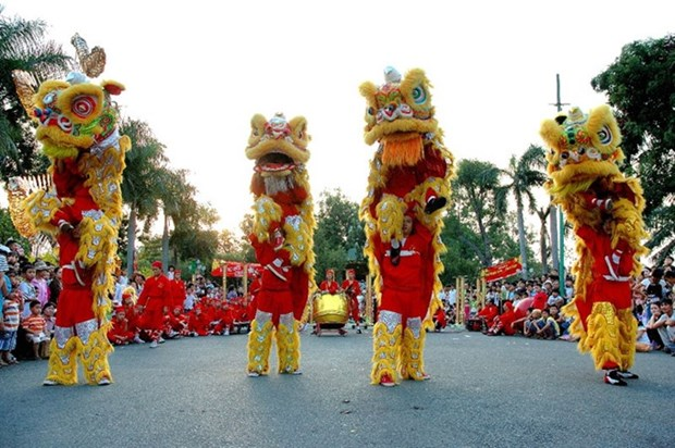 HCM City hosts dragon, lion dance contest during weekends hinh anh 1