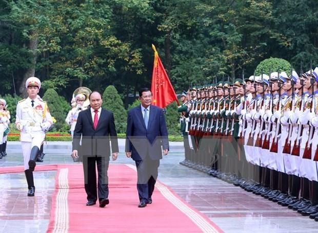 Cambodian media highlights PM Hun Sen's Vietnam visit hinh anh 1
