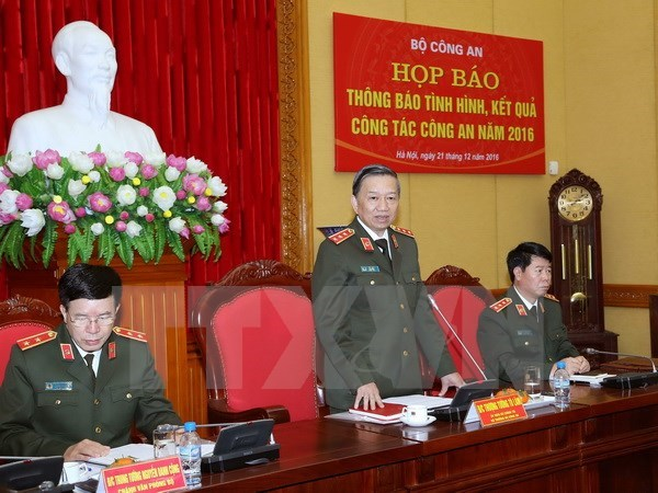 Public security ministry reviews 2016 performance hinh anh 1