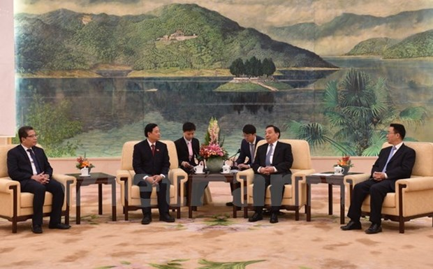 NA official: Vietnam treasures ties with China hinh anh 1