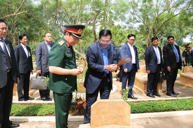 Cambodian Prime Minister visits historical site in Dong Nai hinh anh 1