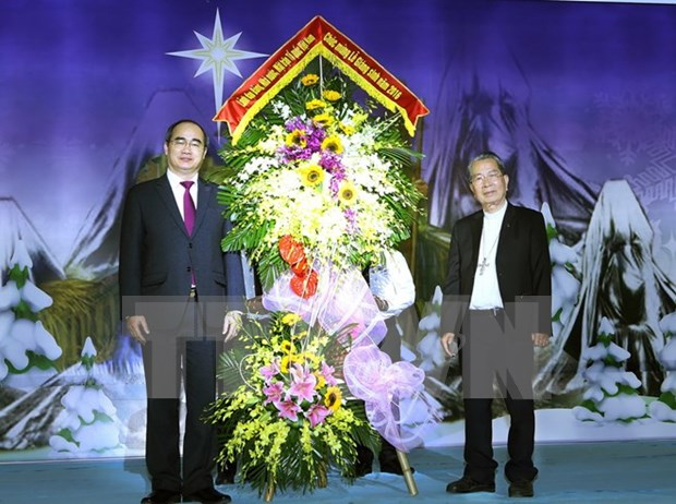 VFF leader extends Christmas greetings to Catholics hinh anh 1
