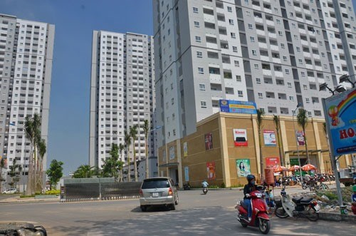 Experts bet on mid-, low-end property sector hinh anh 1
