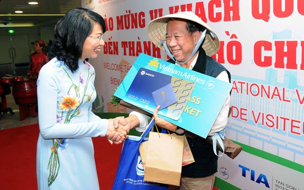 HCM City welcomes five millionth foreign visitor hinh anh 1