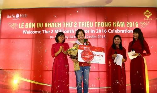 Da Nang: Ba Na Hills welcomes two-millionth tourist in 2016 hinh anh 1