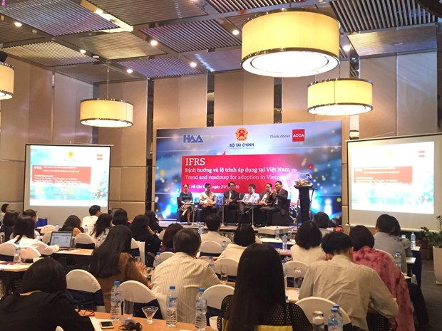 Vietnam to adopt IFRS by 2025 hinh anh 1
