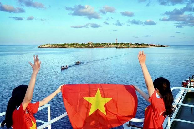 Photo exhibition on Truong Sa to open in Hanoi hinh anh 1