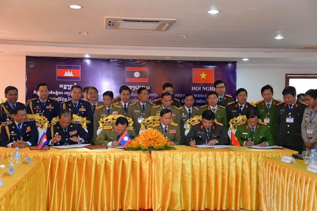 Vietnam, Laos, Cambodia localities work on border security hinh anh 1
