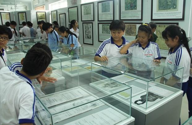 Hoang Sa, Truong Sa exhibition opens in Long An hinh anh 1